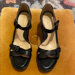 ECCO Shoes - Black Leather Heeled Sandals Sz 9/9.5